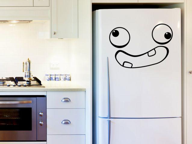 מדבקה למקרר פרצוף מצחיק