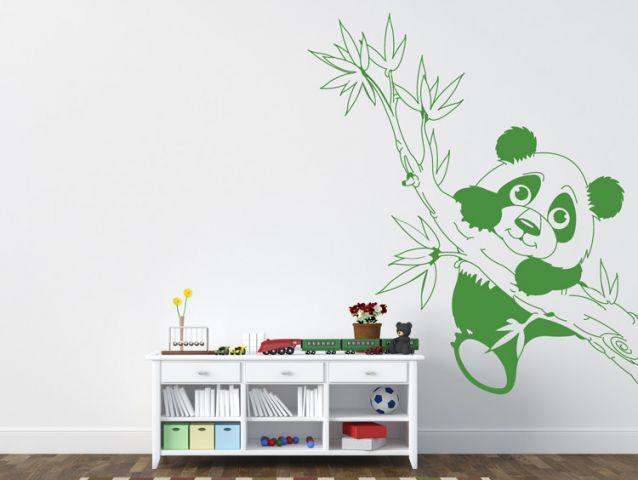 מדבקת קיר | פנדה על ענף