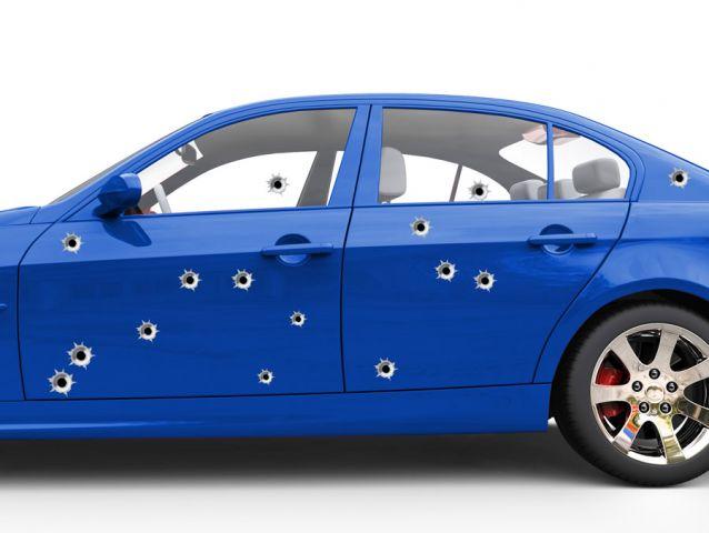 מדבקת יריות לרכב