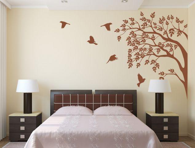 מדבקת קיר   ציפורים מתעופפות מעץ