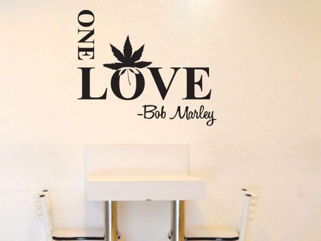 מדבקת קיר one love בוב מארלי