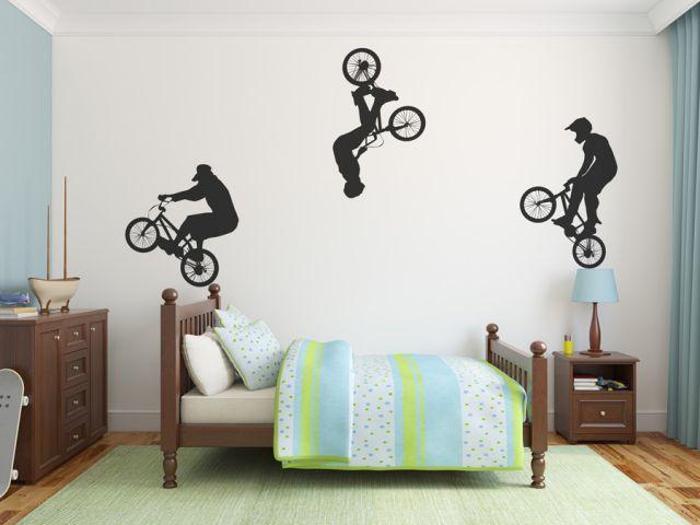 מדבקת קיר | פעלול אופנייים
