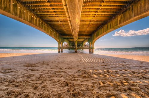 טפט מדבקה   מתחת לגשר
