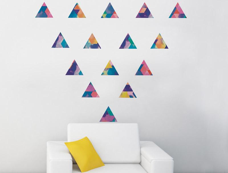 מדבקת קיר   משולשים צבעוניים