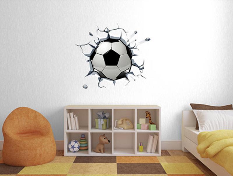 מדבקת קיר   כדור כדורגל תקוע בקיר