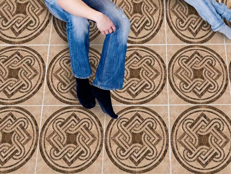 מדבקות רצפה - אריחי שיש חומים