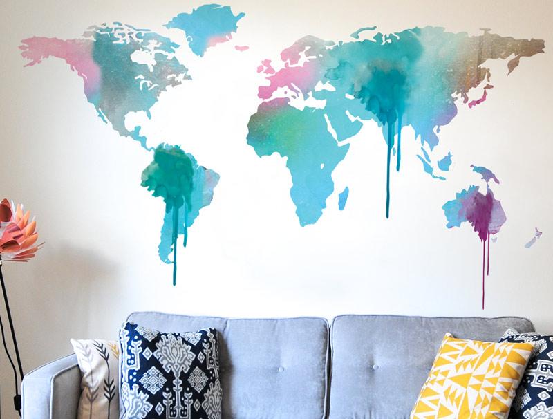 מפת עולם עם נזילות בצבעי טורכיז ורוד