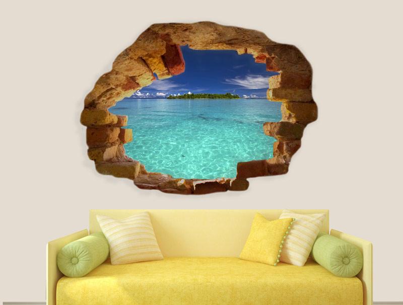מדבקה של חור בקיר עם נוף לים צלול