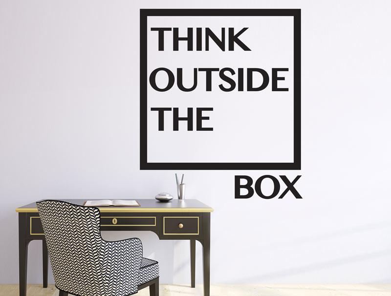 מדבקה עם כיתוב - לחשוב מחוץ לקופסא