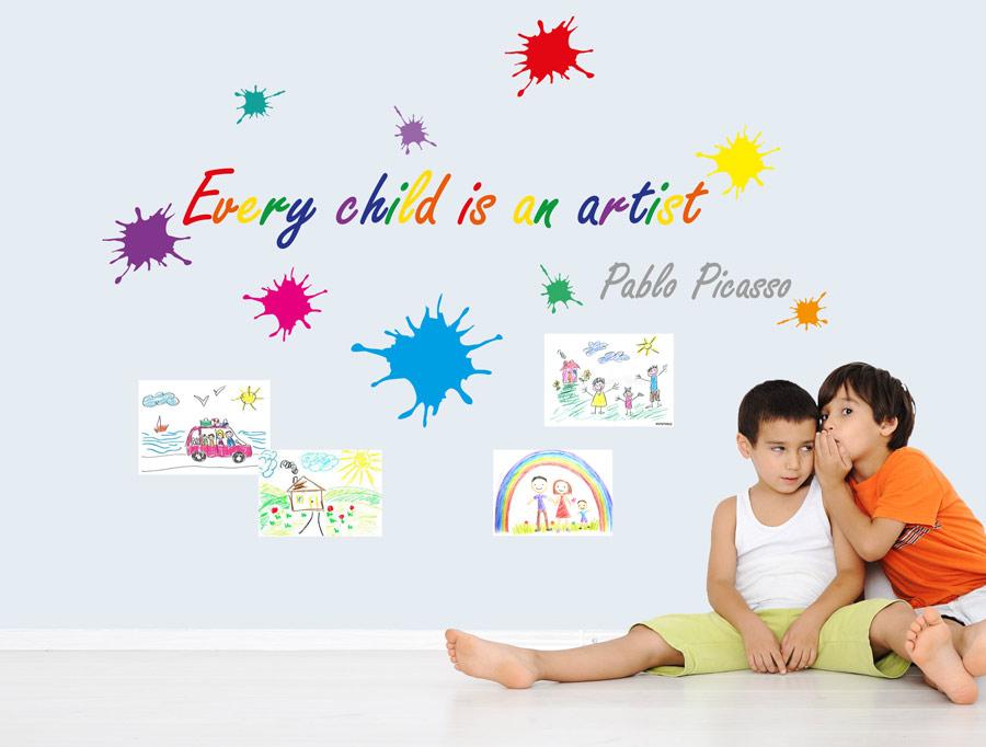 מדבקת קיר על ילדים ואומנות