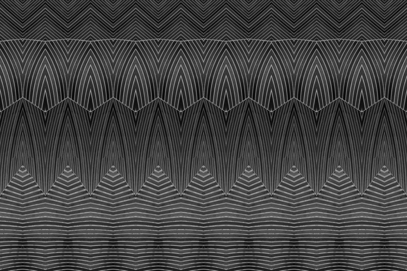 טפט בעיצוב חריטה על עץ כהה