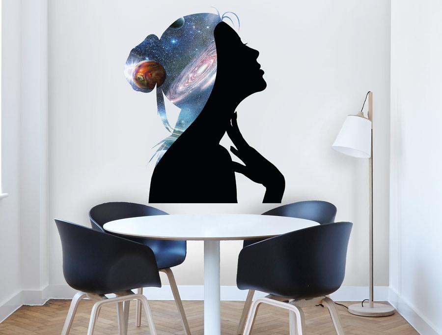 מדבקה - אישה בחלל