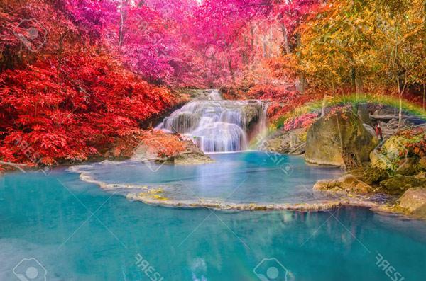 טפט - אגם כחול בטבע צבעוני