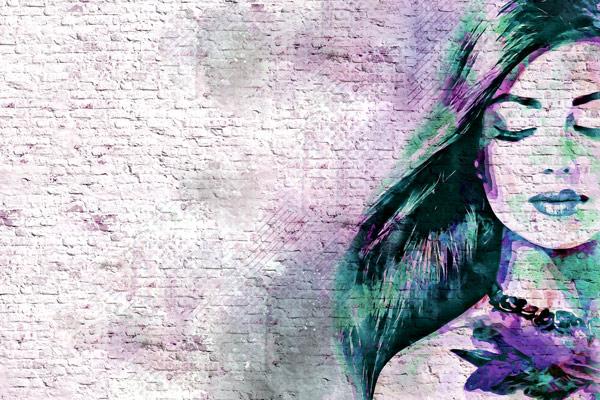 טפט - אישה צבעונית מאויירת בגווני סגול ירוק